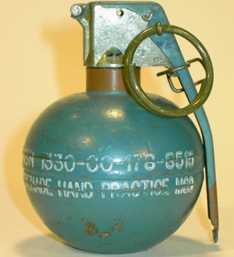 http://weapon.at.ua/grenade_3/usa/M33-67-3.jpg